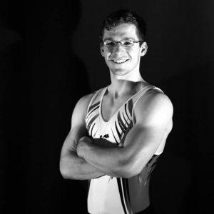 Name: Dominik Hartfelder Geburtsdatum: 28.11.1994 Beruf: Informatik Student Lieblingsgerät: Ringe